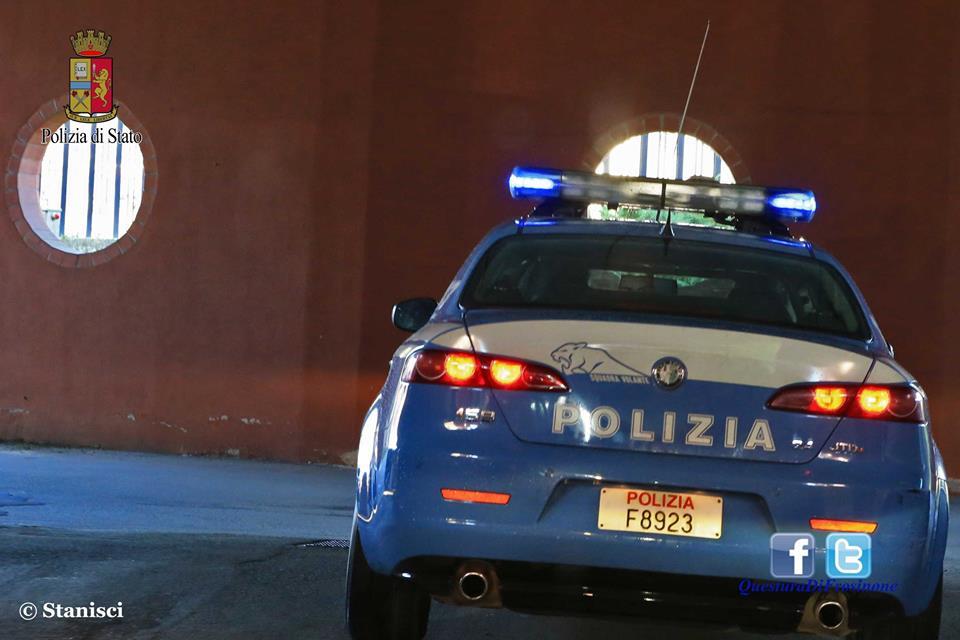 Cassino un auto fugge all alt della polizia e a bordo c for Badante senza permesso di soggiorno 2017